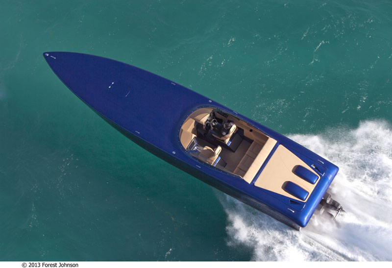 The GTMM 39' features an incredible paint job by the talented crew at Gaurdado Marine in Miami.