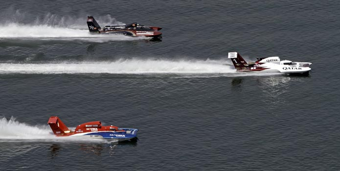 In the U-1 Spirit of Qatar hydroplane, Dave Villwock won the Air National Guard H1 Unlimited Series opener in Madison, Ind.