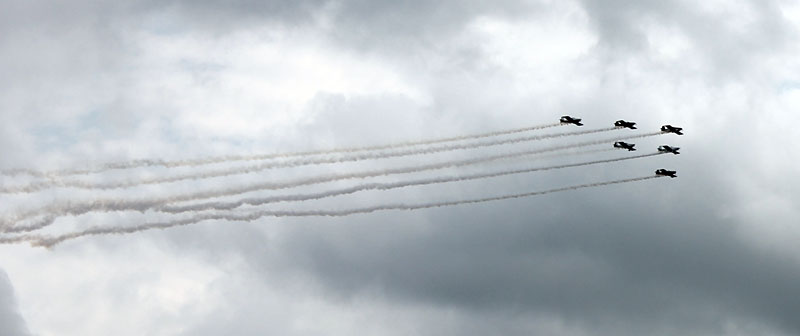 Six planes flew over the Shootout course on Saturday and Sunday to honor the lives of Bob Morgan and Jeff Tillman.